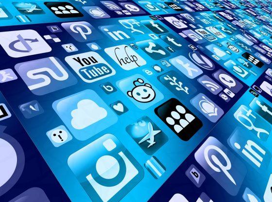 Comment les médias sociaux améliorent vos classements Google ?