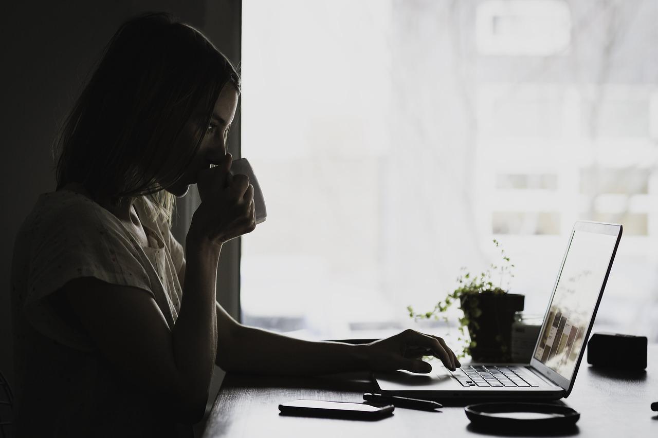 Comprendre et corriger les erreurs courantes de relecture en rédaction web