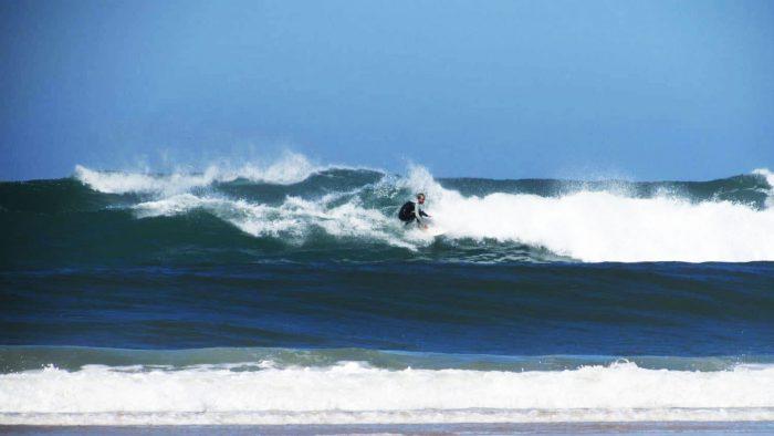 Des conditions remarquables pour le surf à Contis-Plage