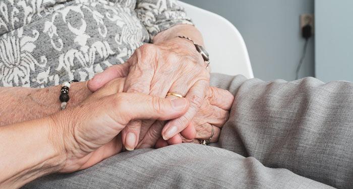 Souscrivez une mutuelle senior qui prend en charge vos besoins actuels et futurs.